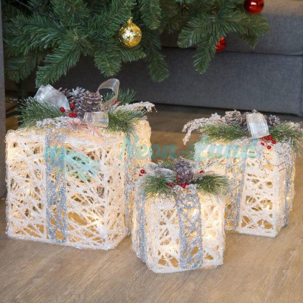 """Фигура акрил. """"Подарки"""" Кубы с шишками белые15х20х25 см"""
