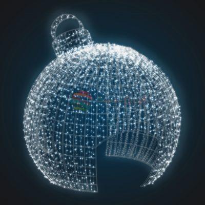 Объемно-пространственная композиция Елочная игрушка 4 метра